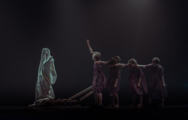 La coreógrafa Luz Arcas reconstruye el folclore universal en 'Miserere' este domingo en el Cervantes
