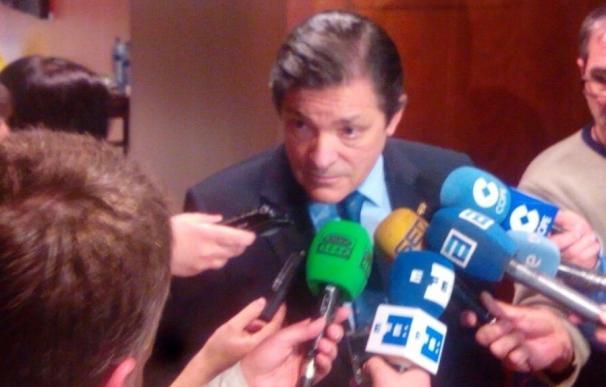 Javier Fernández espera que la respuesta del Gobierno a Cataluña sea proporcional al desafío que plantea