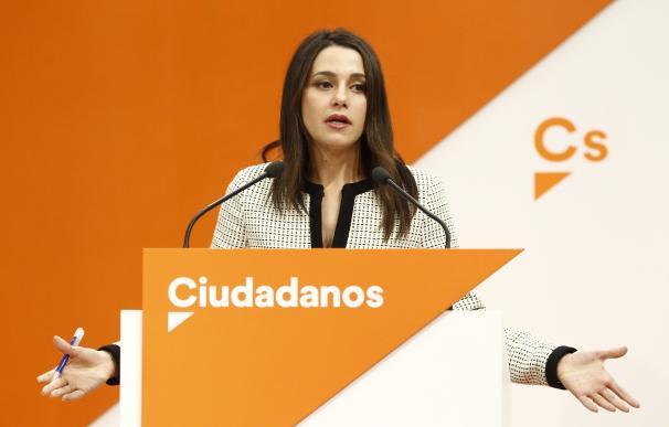 """Arrimadas: Cs volvería a negociar su acuerdo con el PSOE-A """"si las condiciones cambian"""" con Susana Díaz"""