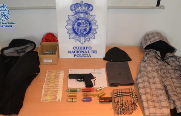 El atracador del banco de Albacete se hizo con cerca de 700 euros y se refugió en una churrería cercana
