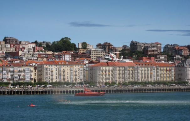 El Centro de Salvamento Marítimo en Santander prestó auxilio a 157 personas durante 2016