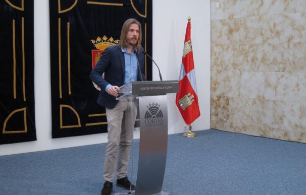 """Fernández reivindica Podemos como """"fuerza conservadora"""" para que CyL no sea """"tierra de emigración y exilio"""""""