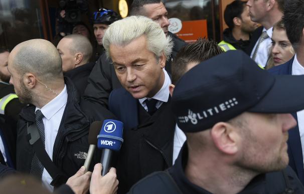 """El ultraderechista holandés Wilder empieza arranca la campaña atacando a """"la escoria marroquí"""""""