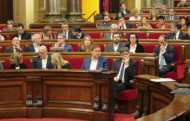 JxSí y la CUP evitan que Puigdemont deba comparecer en el Parlament por el caso Vidal