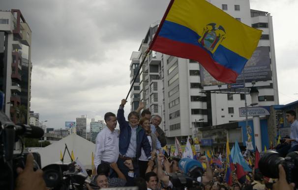 La autoridad electoral deja caer que habrá segunda vuelta en Ecuador