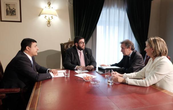 "Junta se compromete a fijar ""cauces fluidos de comunicación"" para buscar financiación para proyectos de futuro en Ávila"