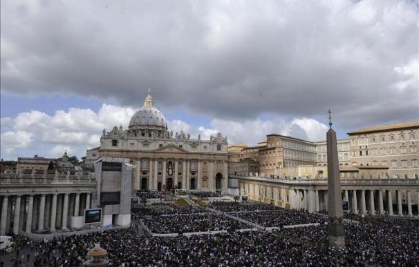 El papa pide el fin de la violencia en Siria y que se ayude a los refugiados
