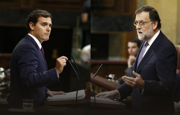 """Rajoy pide a Rivera que ayude a convencer a Sánchez porque """"la cosa no está fácil"""""""