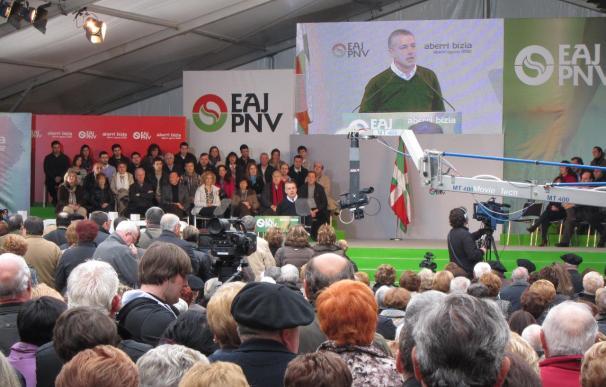 """Urkullu pide a Rajoy que """"se mueva"""" hacia la paz y reclama el acercamiento, la legalización y el diálogo resolutivo"""
