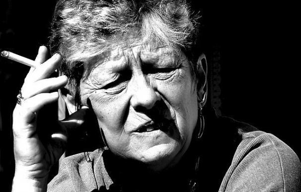 Las muertes por cáncer de pulmón en mujeres han aumentado un 76% en España en la última década
