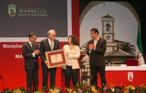 La entrega de Medallas de la Ciudad de Marbella se convierte en un homenaje póstumo a Pablo Ráez