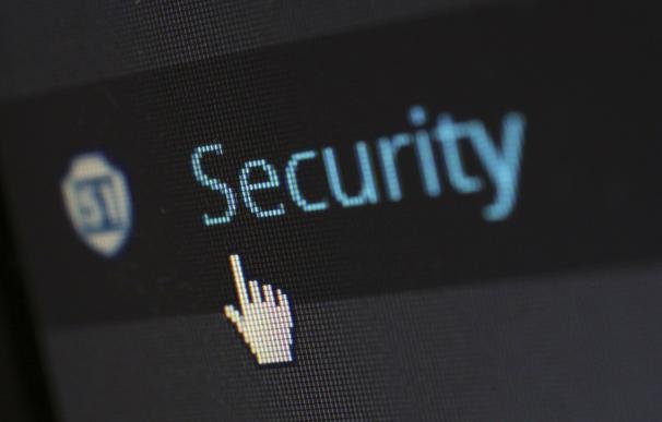 Dos de cada tres grandes empresas no confían en la seguridad de sus datos en Internet