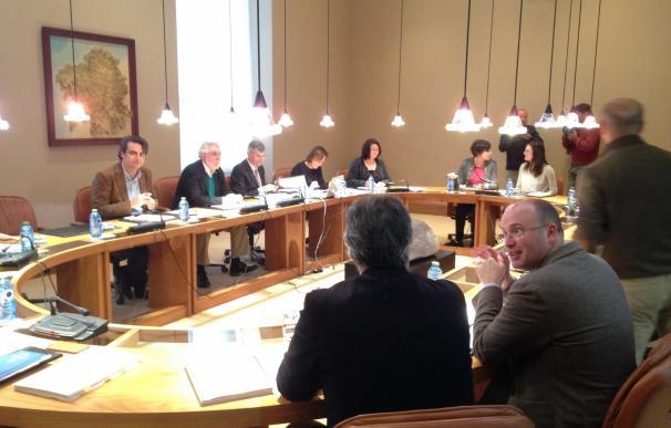 La Cámara volverá a pedir unida el traspaso de la AP-9 con dudas de la oposición sobre qué hará el PP en Madrid
