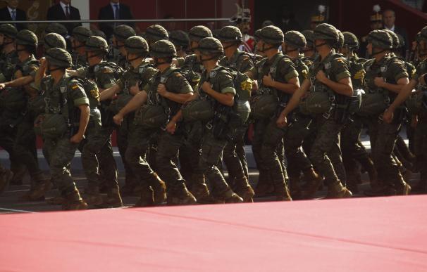 La Defensora del Pueblo denuncia que el Ejército ofrece pocas plazas para la promoción de los soldados temporales