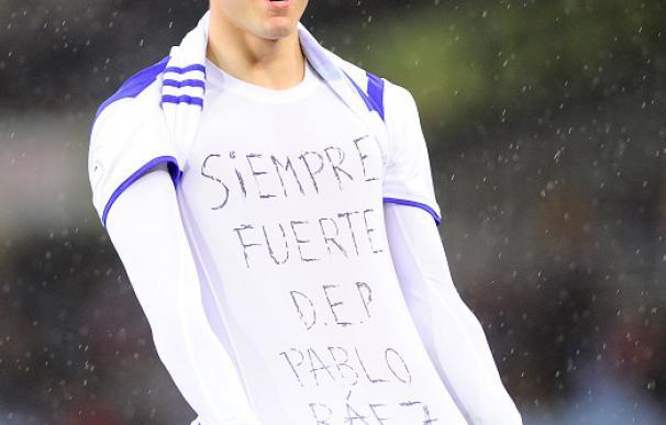 Juanmi vio una amarilla por dedicar un gol a Pablo Ráez y terminó expulsado