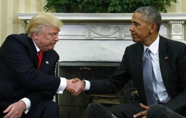 Trump acusa a Obama de estar detrás de las filtraciones y las protestas contra él