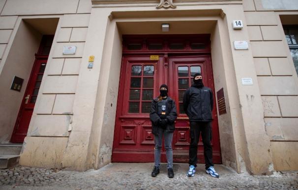 La mezquita del 19-D, tomada por la Policía... ¿Podría pasar en España?