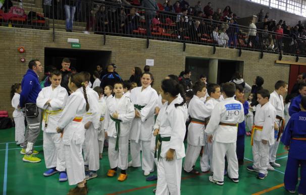Más de 200 deportistas participan en el Encuentro de Promoción del Judo en Santa María del Águila