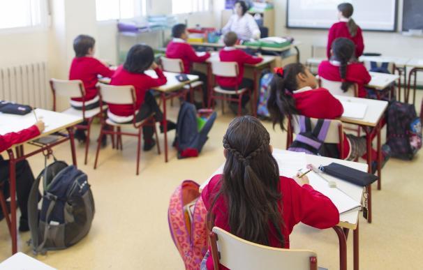 """CCOO tilda de """"continuista"""" el presupuesto educativo en 2017 que hace """"imposible"""" el pacto educativo"""
