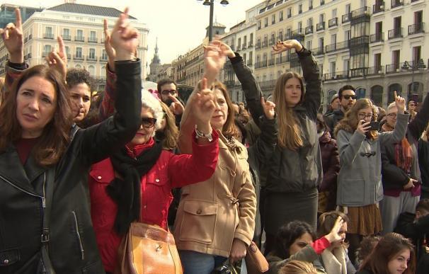 """El Ayuntamiento será """"flexible"""" al tramitar la denuncia contra las mujeres acampadas en Sol, que no fueron multadas"""