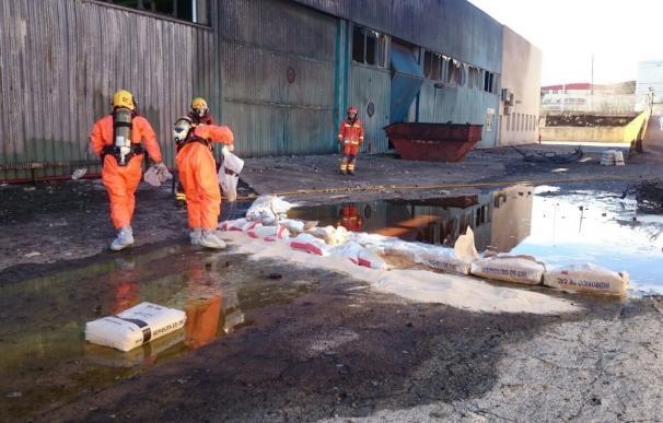Compromís pide crear una mesa de trabajo para revisar la normativa de seguridad industrial tras el incendio de Paterna