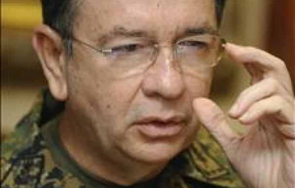 El ministro de Defensa dice que la Policía salvadoreña debe detener a los acusados por el asesinato de 6 jesuitas