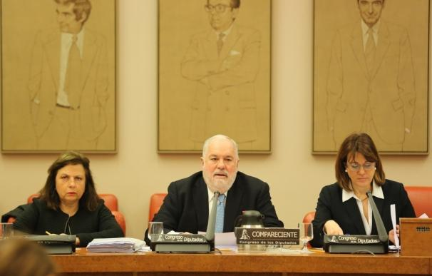 (Amp.) La UE cree que España cumplirá sus objetivos de eficiencia energética para 2020, dice Cañete