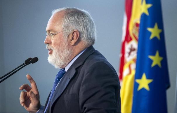 El PP quiere un debate entre Cañete y Valenciano