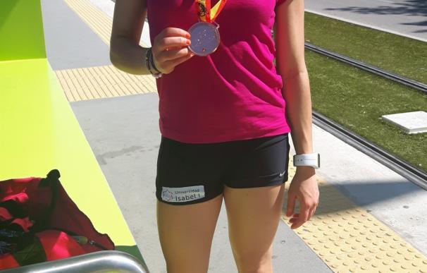 Una estudiante de la Universidad Isabel I consigue el bronce en 10.000 metros en el Campeonato de España Universitario