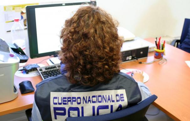 Detenido un policía local de O Grove por vinculación a una red de pornografía infantil