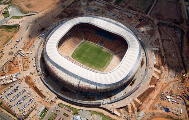 El Soccer City se estrena con la final de Copa