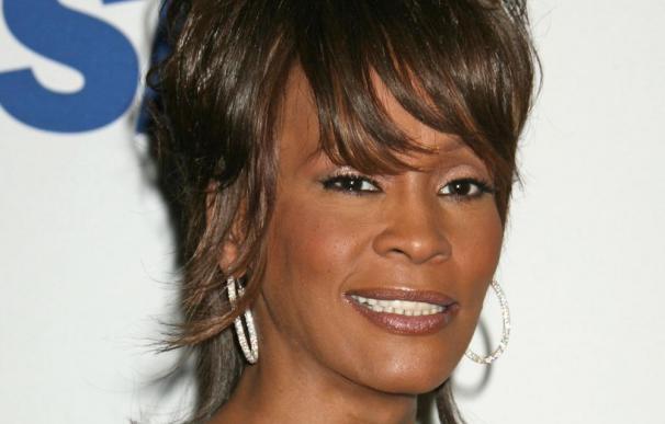 La madre de Whitney Houston revelará sus escándalos sin censura