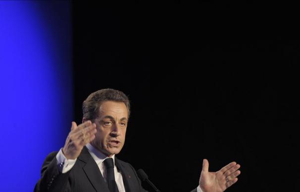 Hollande encara con un margen algo menor frente a Sarkozy la semana decisiva