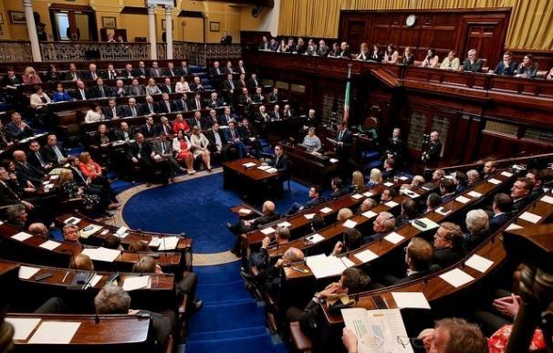 Kenny logra la reelección como primer ministro de Irlanda gracias a la abstención de la oposición