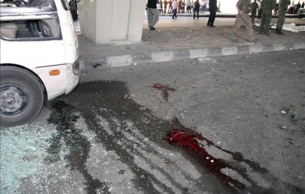 9 muertos y más de 100 heridos por 2 potentes explosiones en Idleb (Siria)