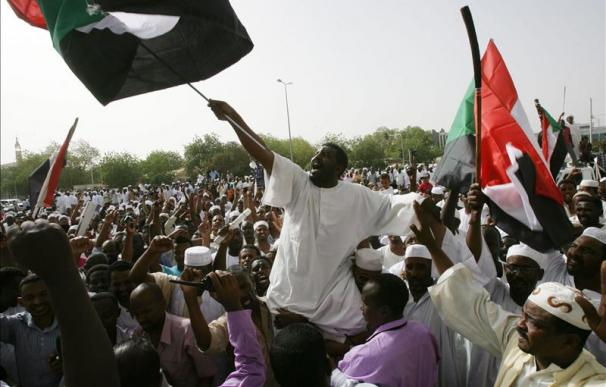 El presidente sudanés visita la zona disputada de Heglig