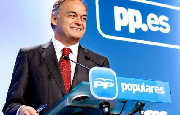 """El PP desea que """"salga bien"""" la reforma laboral pese a que """"llega tarde"""""""