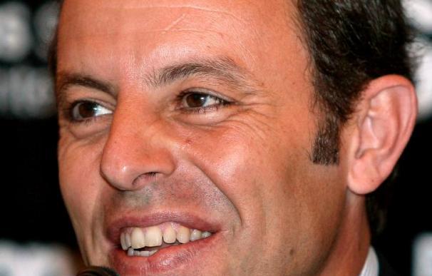 """Sandro Rosell opina que """"Mourinho dará ambiente, pero el Barça es superior"""""""
