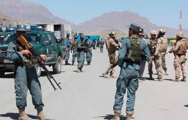 La ISAF bombardea un distrito recién conquistado por los talibanes en el este afgano