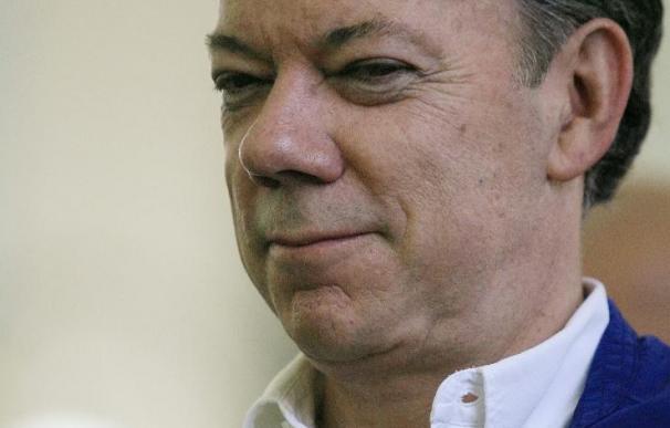 Santos, el más votado, va a la segunda vuelta con Mockus