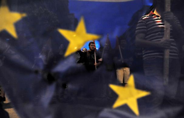 Manifestantes griegos hacen campaña por el 'no' en el referéndum del domingo