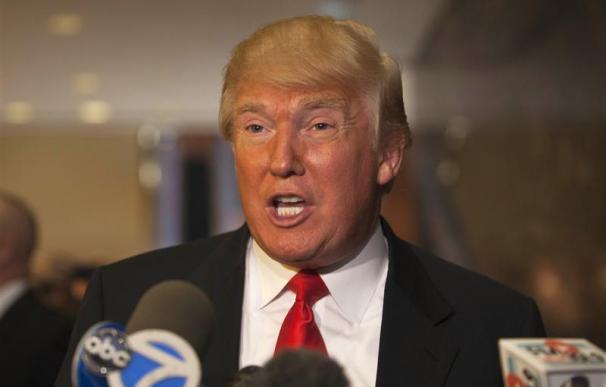 Trump apoya a Romney en las primarias republicanas de EEUU