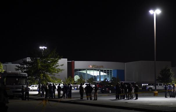 LAFAYETTE, LA - JULY 23: Police work outside of th