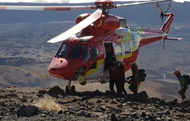 Finaliza la evacuación de las más de 100 personas que pasaron la noche en el Teide
