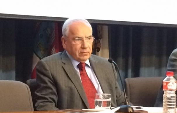 """Guerra ve """"meritorio"""" que la Gestora del PSOE quiera controlar la financiación de los candidatos a la Secretaría"""