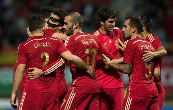 España celebra nuo de los goles a Costa Rica
