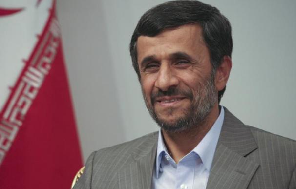 Ahmadineyad anuncia el aplazamiento de las negociaciones nucleares