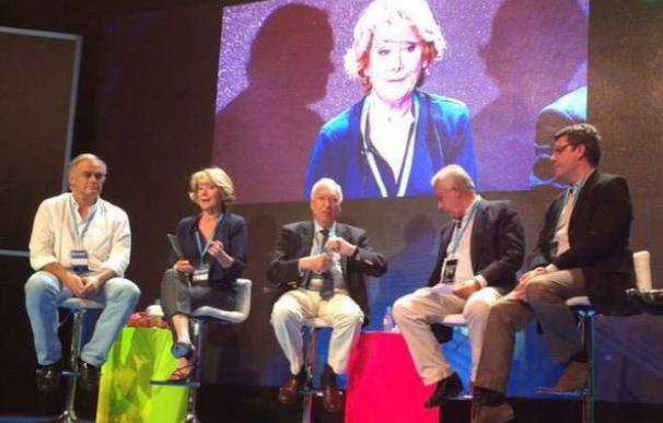Aguirre, entre González Pons y García-Margallo, en un momento de la Conferencia Política del PP.