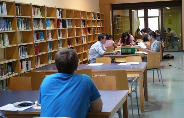 Los opositores de Educación de C-LM llevaban estudiando desde mayo el temario que el Gobierno ha sustituido