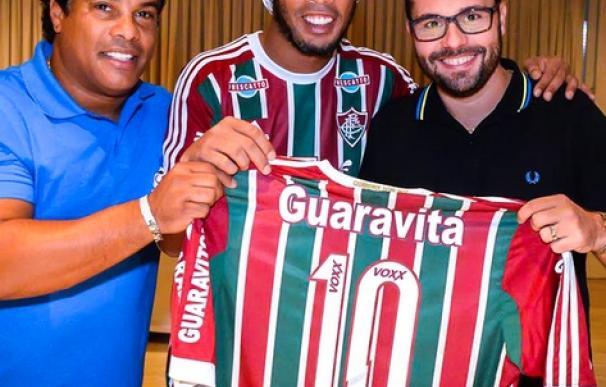 Ronaldinho vuelve al fútbol brasileño.